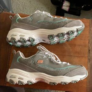Skechers D'lites tennis shoes